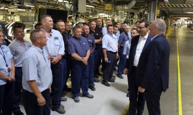 Wizyta premiera Mateusza Morawieckiego w gliwickim zakładzie Groupe PSA