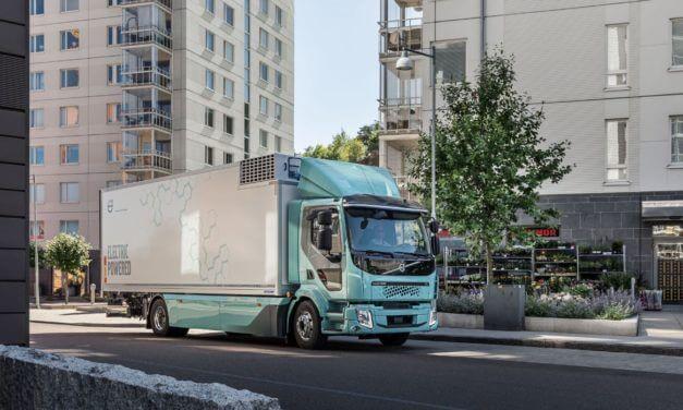 Volvo rozpoczyna sprzedaż elektrycznych samochodów ciężarowych do transportu miejskiego